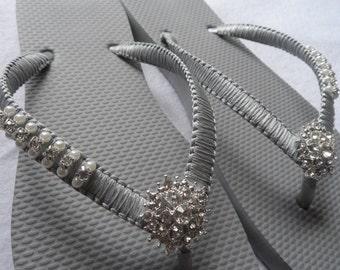 Gray Wedding Flip Flops / Bridal Pearls Sandals / Gray Color Bridesmaid Shoes / Rhinestone & Pearls Flip Flops..