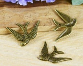 25pcs of Antique Bronze Swallow Bird Charm Pendant Sparrow Charms 17x24mm F107-1