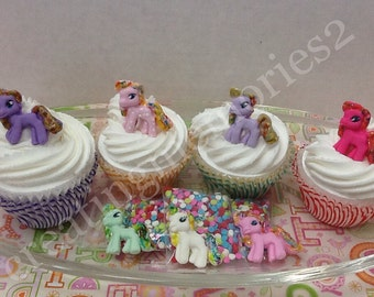 FONDANT PONY'S -  edible pony's. Great for cupcakes, cakes and more. Birthdays. You will receive a mixed color set.