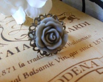 Grey Sky Vintage Rose Ring