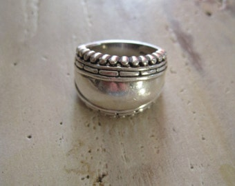 Domed silver band ring size 7.5