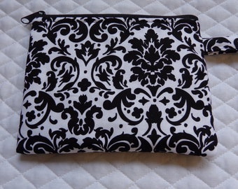 Makeup Bag:Damask black