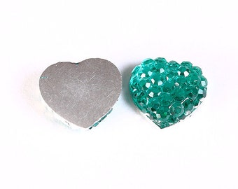 10mm green heart cabochons - 10mm textured heart cabochon (1221) - Flat rate shipping