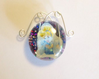 Wire Work Cinderella Glass Magnet