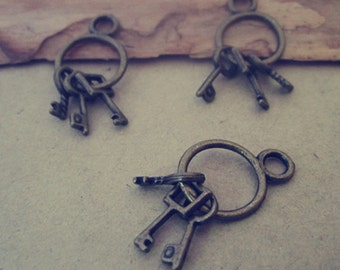 14pcs  Antique bronze key Charm Pendant  13x26mm