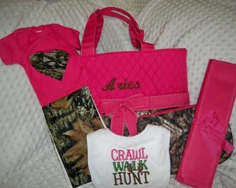 PERSONALIZED Camo & Hot Pink 6 Piece Baby Girl Gift Set Includes Diaper Bag, Changing Pad, Bodysuit, Burp Cloth, Pouch, and Bib
