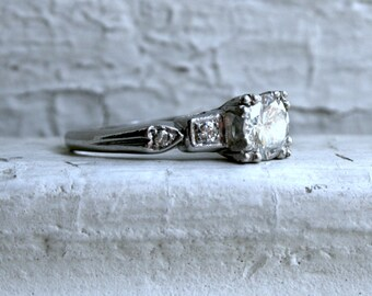 Gorgeous Vintage Art Deco Platinum Diamond Engagement Ring - 1.08ct.