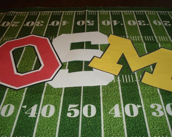 College Table Runner:  Personalized Tailgate Table Runner,  college football, high school football, tailgate party, homecoming party, custom