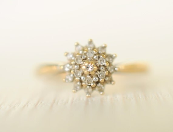 1970's vintage / 0.1 carat Diamond and 9k yellow gold engagement ring // SPARKLES - Size 6.25