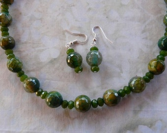 23 Inch Faceted Yellow Green Fire Agate and Jade Necklace with Earrings