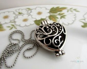 Aromatherapy Scent Diffuser Locket Filigree Heart Locket Essential Oil Diffuser Necklace