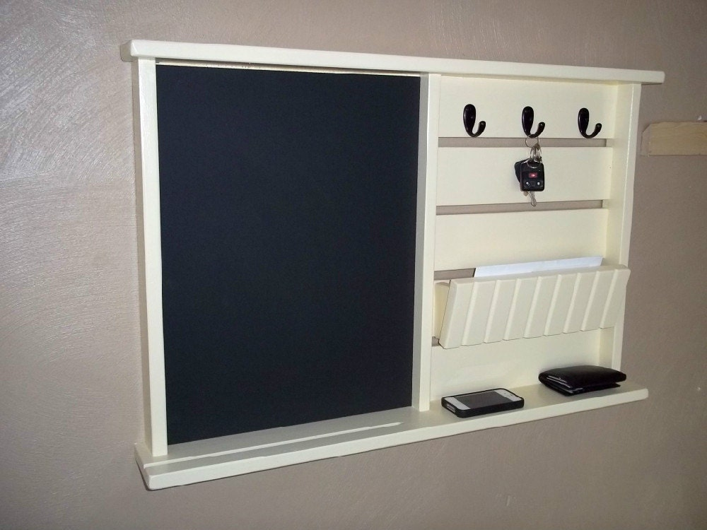 mail organizer with chalkboard wood shelving key hooks and. Black Bedroom Furniture Sets. Home Design Ideas