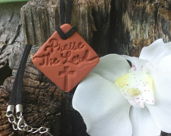 PRAISE THE LORD Terra cotta Essential Oil Diffuser Pendant for Aromatherapy Necklace