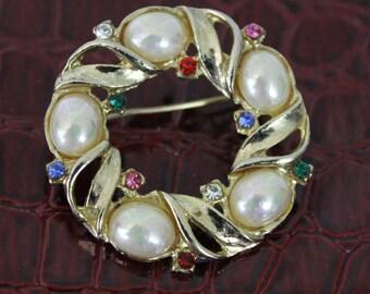 Vintage Pearls, Rhinestones, Gold tone Brooch