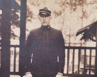 Original Antique Photograph Solemn Soldier In Uniform