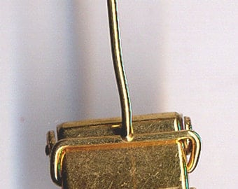 CHARM  Gold Filled Carpet Sweeper   Item No: 14526