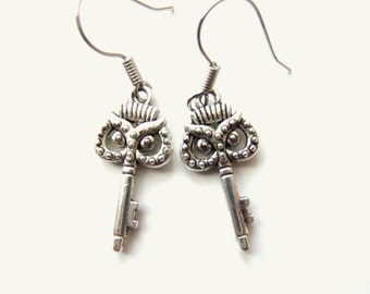 Silver Owl Earrings, Skeleton Key Earrings, Steampunk Owl Jewelry Accessories, Owl Earings