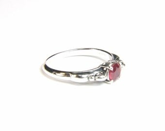 Ruby (4.75mm SYNTHETIC Ruby), 0.46 Carat x 4.75mm, Round Cut, Sterling Silver Ring