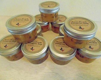 Mini Mason Jar WEDDING FAVORS!  Jam, Jelly, hostess gifts, shower favors