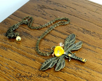 Botanic dragonfly necklace - mustard yellow flowers -  vintage style dragonfly jewelry