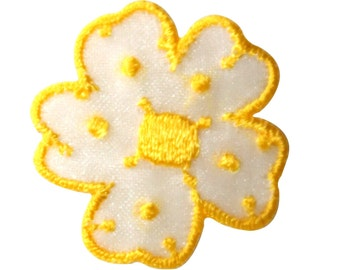 ID #8672 Yellow Daisy Garden Flower Blossom Embroidered Iron On Applique Patch