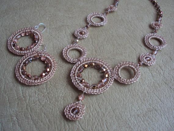 Silver Rose Crochet Set.Crochet Necklace.Crochet Earrings.Custom Jewelry.Lace Jewelry.Geometric Jewelry.