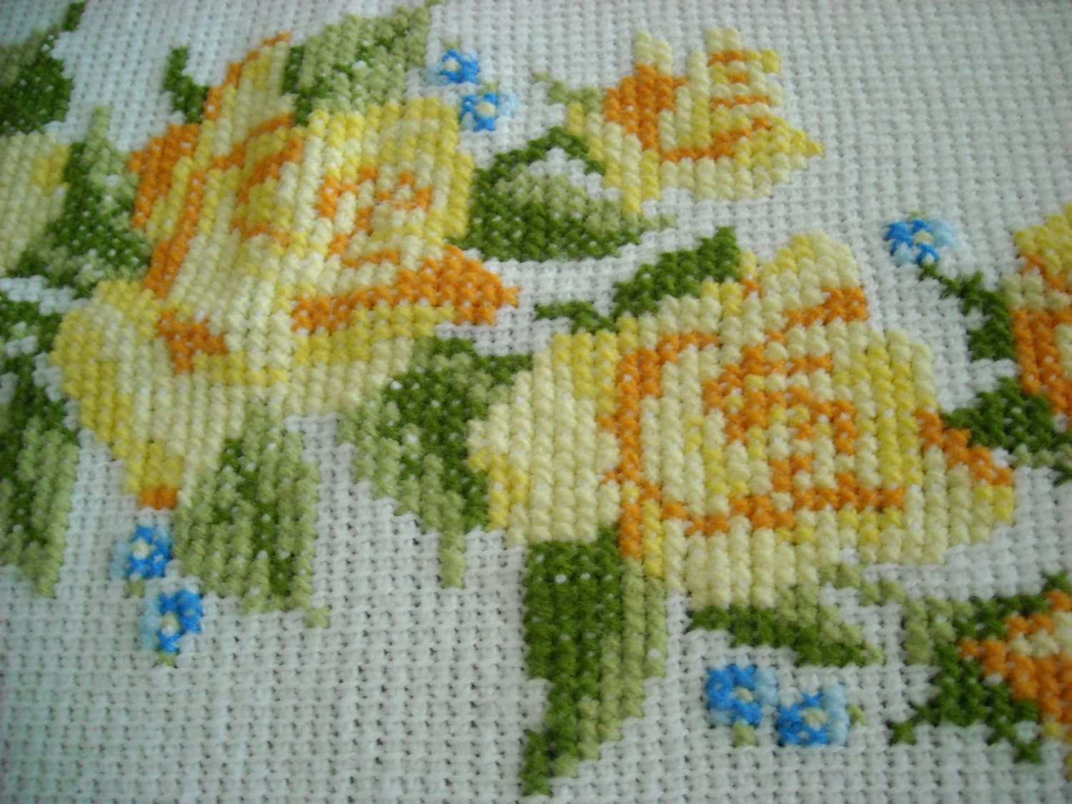 Knitting Cross Stitch Crochet : crocheted knit blanket with cross stitch yellow roses full