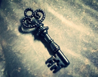 Black Gunmetal Skeleton Key Pendants Charms 4 pieces 32mm