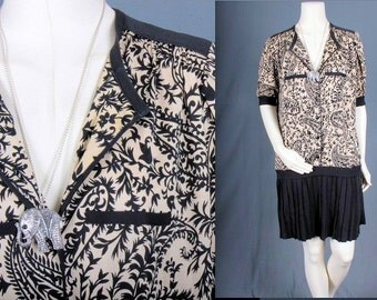 Vintage Drop waist dress pleated black beige pleats sixties 1970s flapper women size M medium