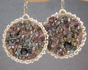 Hammered hoop earrings ivory pearls, gold pearls, pink tourmaline, peridot Bohemian 149