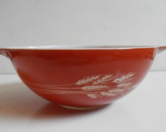 Vintage Pyrex 404 4 Qt. Nesting Ovenware Mixing Bowl Red Spikelets Pattern Made In USA E490z