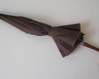 "Women's Umbrella Elegant Wood Handle 2 Layers Brown & Yellow Good Gift 9.5"" width 10"" length Vintage E152z"