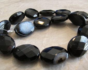 "8"" Black Sardonyx Ovals, 25x18mm"