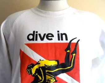 vintage 80's Dive in Bahamas white travel souvenir graphic sweatshirt raglan sleeve fleece crew neck pullover jumper red black yellow logo