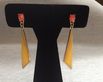 Vintage Costume Goldtone With Yellow and Orange Inset Design Dangle Earrings