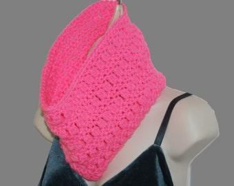 Pink Cowl Scarf, Crochet Circle Scarf, Pink Crochet Cowl, Pink Infinity Scarf, Winter neckwarmer, Womens Cowl, Fashion Neckwarmer