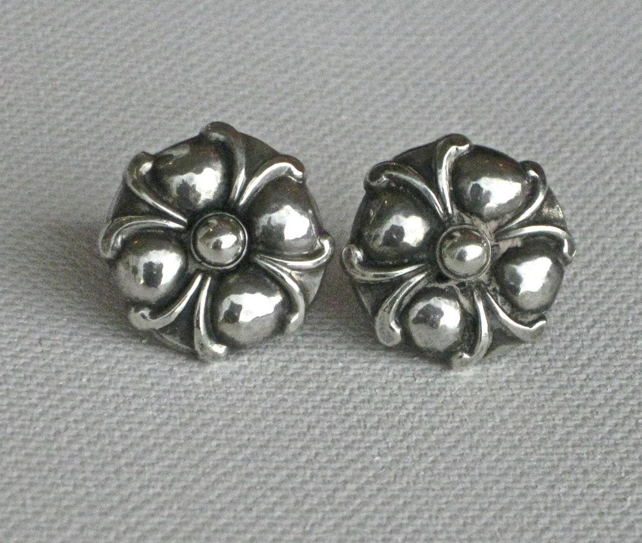 sale classic vintage georg jensen sterling earrings with. Black Bedroom Furniture Sets. Home Design Ideas