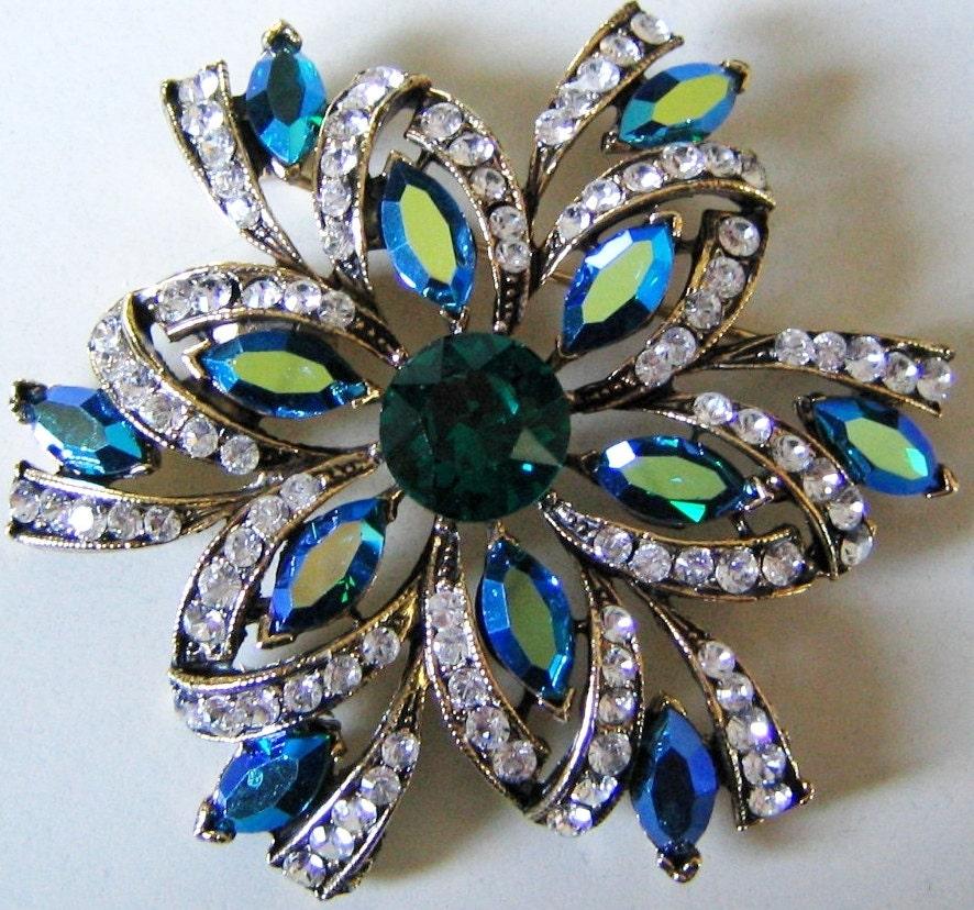 weiss brooch gold tone w green blue aurora rhinestones star