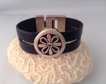 Black Leather Boho Cuff Bracelet with Silver Daisy for Spring, Bohemian leather wrap, Hippie, Hipster Summer accessory