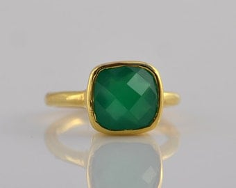 Green Onyx Ring - Cushion Ring - Gemstone Ring - Stacking Ring - Gold Ring - bezel Set Ring - mothers Day gift for her - May Birthstone