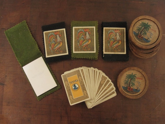ViNTAGE HAWAIIANA LoT 4 Rooster NOtEpads 5 Coasters AnD 1 DECk Of PRiMo PLAYiNg CARDs