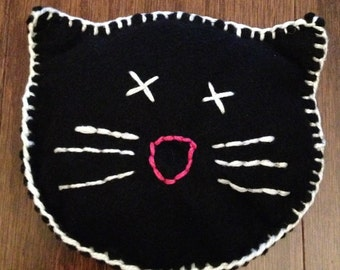 Kitty Face Squishy Catnip Pillow For Your Feline Friends - Black/white
