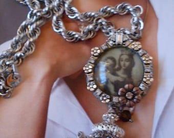 Gorgeous Maddona & Child Rhinestone Locket Necklace Chunky Silver Chain Tassel  We Ship Internationally