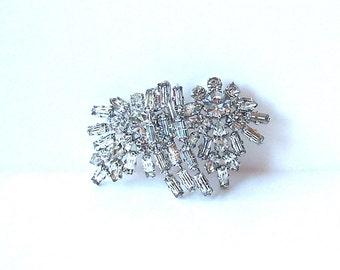 Vintage Bling Clear Rhinestone Brooch Pin Silver Tone