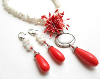 Wedding Jewelry, Red Jewelry, Coral Jewelry, Flower Jewelry, Statement Necklace, Red Earrings, Red Lily, Gift For Her, White Red, Floral