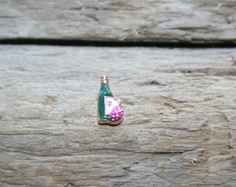 Wine with grapes floating charm for locket~ bottle of wine charm~ newest 2014 locket charms~ one shipping fee ships WHOLE order