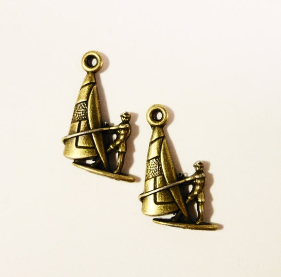 Bronze Sailboat Charms 25x15mm Antique Brass Metal Parasailing Charms, Boat Charms, Nautical Pendants, Jewelry Making, Beach Charms, 10pc