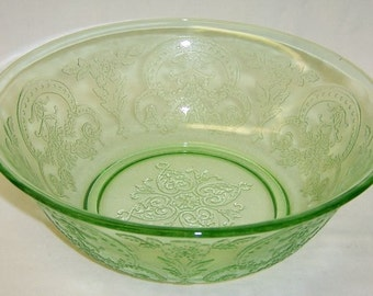 Indiana Depression Glass Green Pattern Number 612 HORSESHOE 9 1/4 Inch Round Serving Bowl