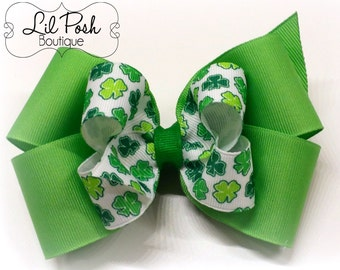 Girls St. Patricks Day Green shamrock clover hairbow