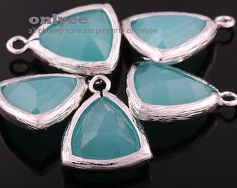 2pcs-17mmX12.5mm Rhodium Plated Brass with Faceted Triangle Glass Pendant-Mint(M336S-H)